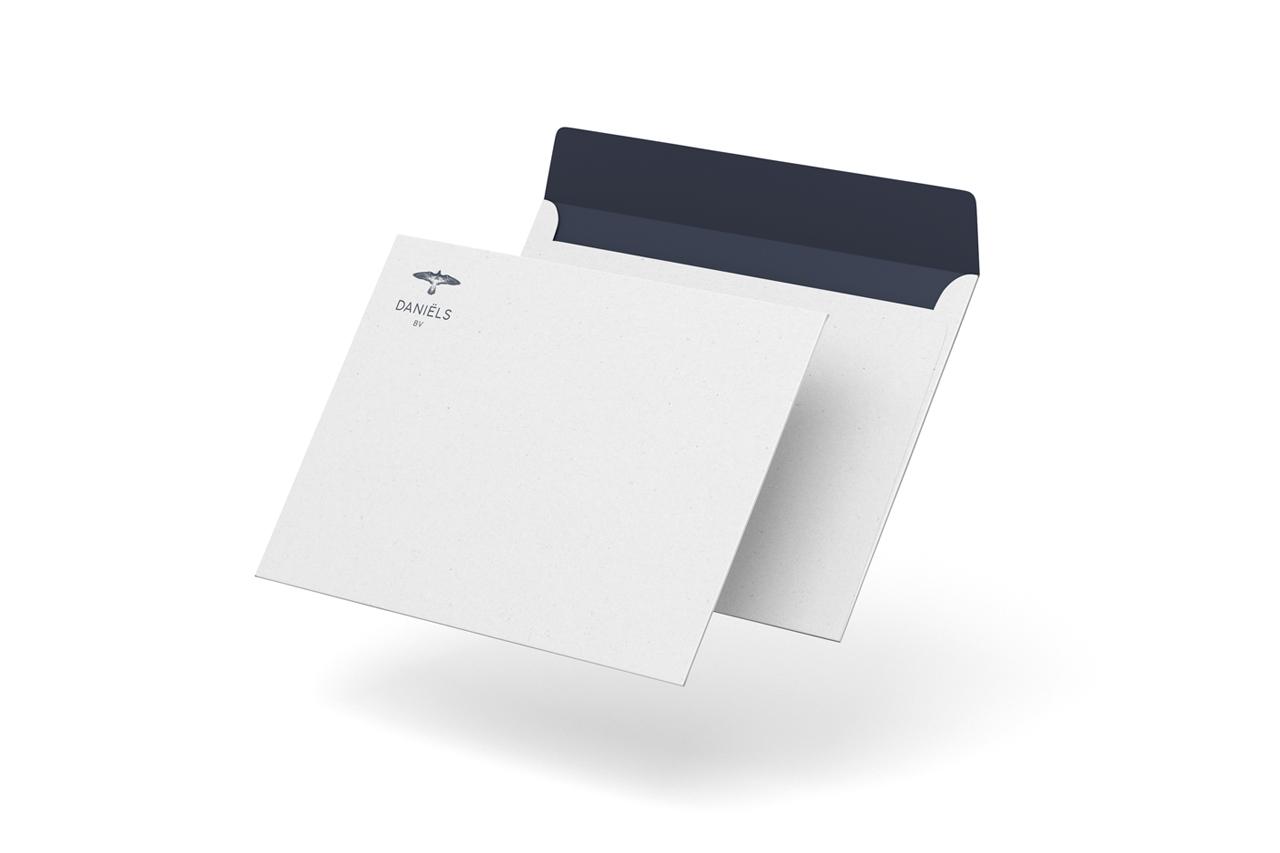 Daniëls BV envelop – Studio Mooijman en Mittelberg, Grafisch ontwerpbureau, Den Haag