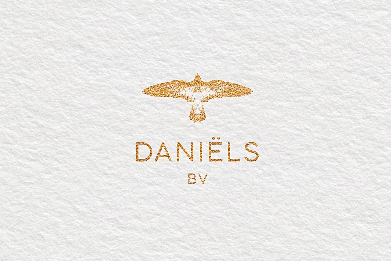 Daniëls BV logo – Studio Mooijman en Mittelberg, Grafisch ontwerpbureau, Den Haag